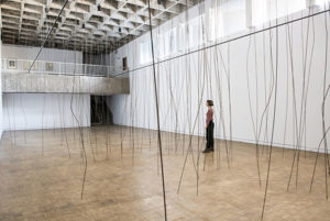 Tove Storch, Untitled 2017 steel rods, wire 7.2 metres high x 8.23 metres wide x 18.51 metres long. MSVU Art Gallery, Halifax (2017)