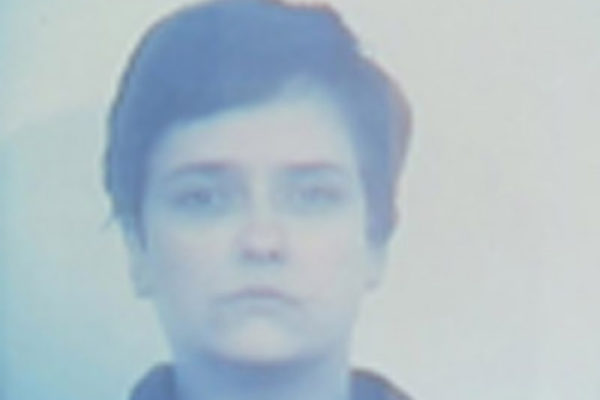 33 Minute Stare1996 DVD, 33 minutes, silent, edition of 5 Colour, silent Loan of the artist (1996)