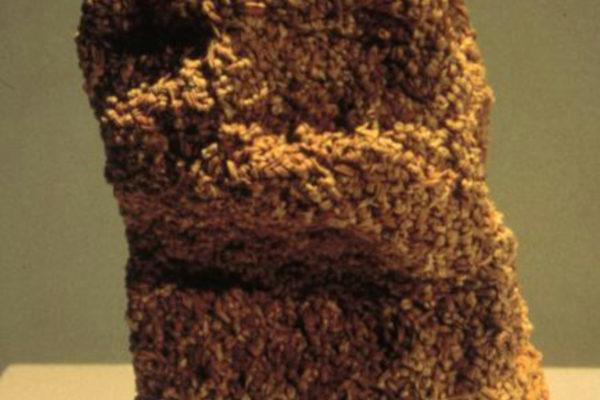 Amanda Schoppel. Paper Bag. Looped rubber bands. 40.6 x 20.3 x 17.8 cm (1997)