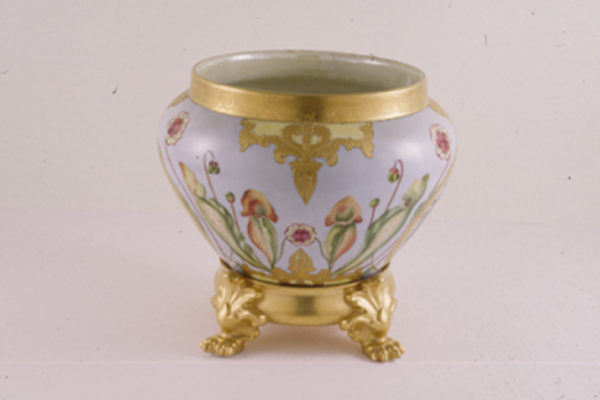 Jardiniere with Mi'kmaq Portraits 1901 French porcelain hand-painted in overglaze enamel and gold lustre, Collection Mount Saint Vincent University, Gift of the artist (1966)